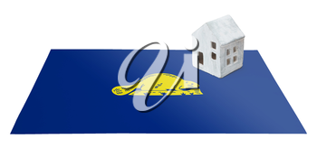 Small house on a flag - Living or migrating to Oregon