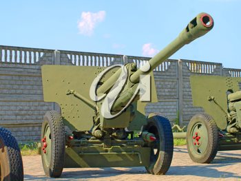 NOVI PETRIVTSI, KIEV, UKRAINE-AUGUST 2: 76-mm Russian division cannon gun ZiS3 in State memorial estate Fight for Kiev in 1943, Lyutezhsky base AUGUST 2, 2014 Novi Petrivtsi,Kiev,Ukraine.