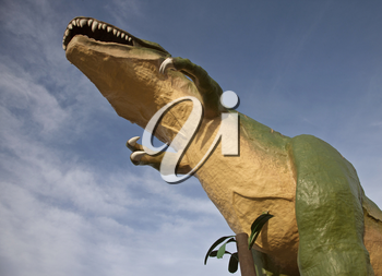 Dinasaur Statue Drumheller large with blue sky