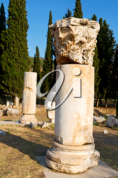 pamukkale    old       construction in asia turkey the column  and the roman temple