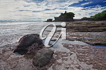 Pura Tanah Lot temple before the sunset, Bali, Indonesia