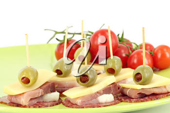 ham cheese olives and tomatoes buffet food